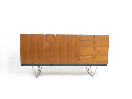 Stag_sideboard_1
