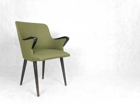 Green_bakelite_chair_1