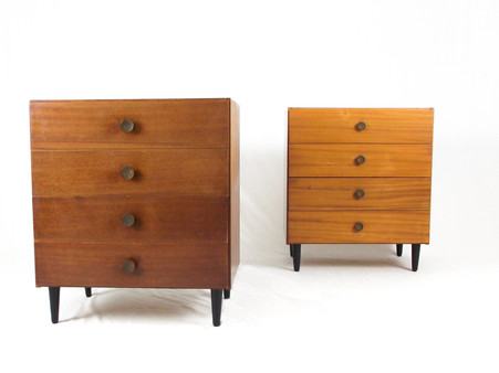 Pair_of_chest_of_drawers_1