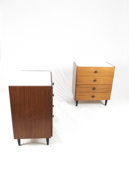 Pair_of_chest_of_drawers_2