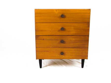 Pair_of_chest_of_drawers_3