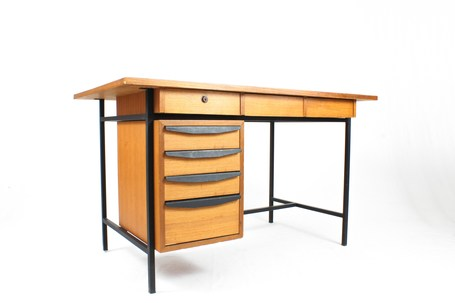 Italian_desk_7drawers_1rid
