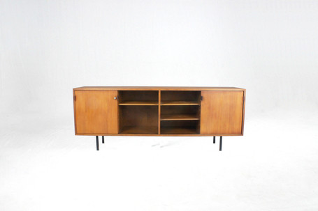 2_knoll_front_bk_rid